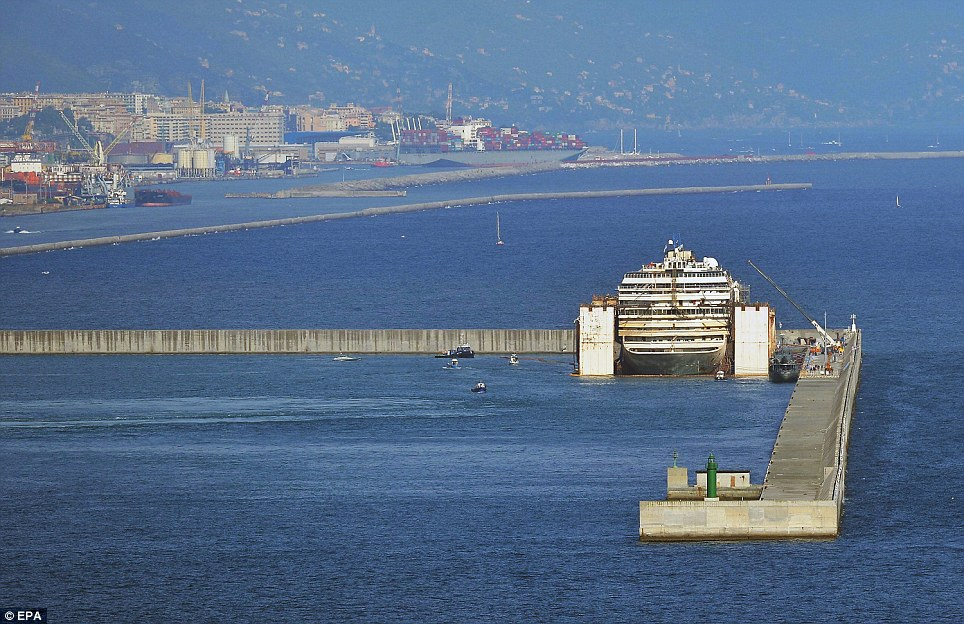Costa Concordia safely arrived at Genoa port