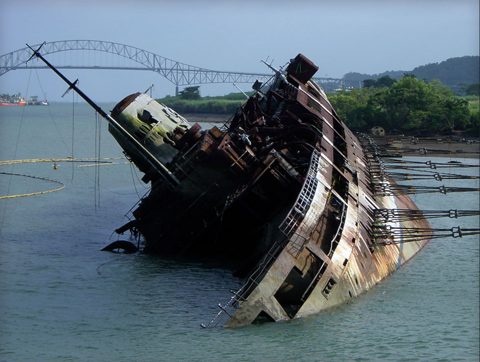 Wreck-Removal-in-the-Panama-Canal